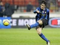 Inter need extra time to beat 10-man Genoa