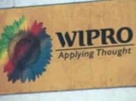 <a href='http://ibnlive.in.com/news/wipro-sees-slowdown-in-big-new-contracts/84146-7.html'>Wipro sees slowdown</a> | <a href='http://ibnlive.in.com/news/tata-motors-slips-into-loss-no-date-for-nano-launch/84127-7.html'>Tata slips into losses</a>