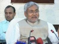 <a href='http://www.ibnlive.com/news/nitish-kumars-cabinet-holds-its-meeting-in-village/84979-3-2.html'>Nitish Kumar's cabinet holds its meeting in village </a> | <a href='http://www.ibnlive.com/videos/85047/watch-nitish-kumar-holds-cabinet-meeting-in-village.html'>Watch</a>