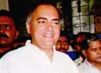 State govt urges court not to free Rajiv's killer