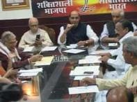 BJP can't keep act together, dissents continue