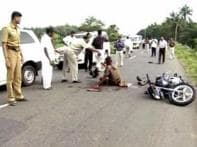 TN ministers watch as cop bleeds to death