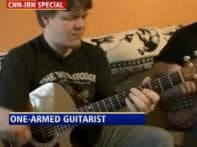Meet the one-handed guitarist from Atlanta