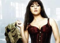 Monica Bellucci does a Demi Moore