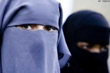 Italian cops fine woman wearing burqa