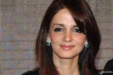 Bollywood pays homage to plane crash victims