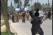 Two injured in fresh clashes in Kashmir