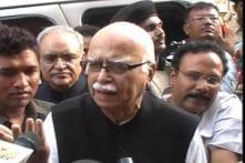 Sohrabuddin case: Advani visits Amit Shah in jail
