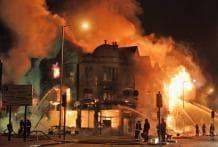 In pics: London riots keep raging