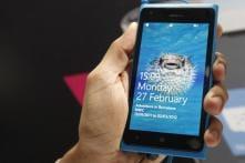 Nokia says fixed Lumia 900 software bug