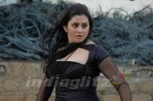 Namitha express desire to act in 'Dirty Picture'