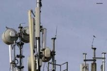 Pakistan restricts phone service for safe Eid