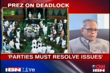 Pranab advises politicians to resolve differences