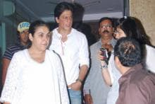 Shah Rukh Khan at the prayer meeting of Ravindra Indulkar
