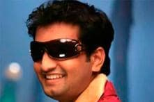 Santhanam is named Comedy Superstar by 'Settai' team