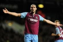 West Ham lose injured Carroll for up to two months