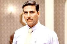 Special 26: Akshay Kumar gets a standing ovation from wife Twinkle