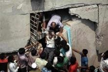 Bangladesh: PM visits building collapse site