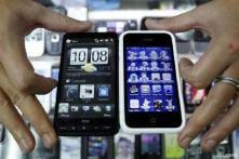Smartphones eating away compact digital camera sales: Report