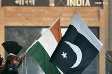 Indian envoy presents credentials to Asif Ali Zardari