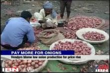 Onion prices shot up across the country, BJP slams govt