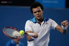 Tsonga breezes into third round at Australian Open