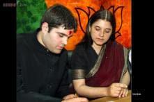 Maneka Gandhi comes to the defence of Varun, asks Priyanka to focus on polls