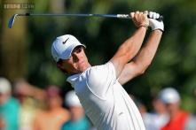 Rory McIlroy roars into contention with hot putter at Wells Fargo
