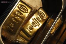 Government cuts import tariff value on gold, silver