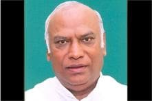Former Railways Minister Mallikarjuna Kharge to be the leader of Congress in Lok Sabha