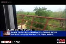Watch: Delhi Metro runs from Arjangarh to Ghitorni with open doors