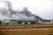 Ramped up air strikes stall Islamic State advance on Syrian town