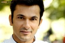 Celebrity chef Vikas Khanna tries learning Malayalam; finds it difficult to master