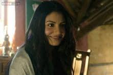 Virat Kohli's 'love' Anushka Sharma turns bride for a commercial