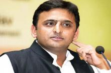 Akhilesh visits acid attack victims' cafe in Agra, assures help