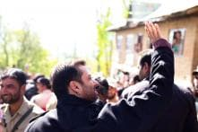 Photos: Salman Khan meet fans, Arpita-Aayush Sharma enjoy romantic holiday in Kashmir