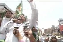 Lalu Prasad marches to Bihar Governor's residence demanding Centre to release caste census