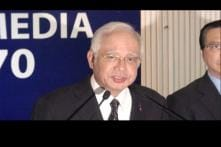Former Malaysian PM Najib Razak, Wife Banned From Leaving Country