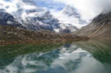 8 most incredible glaciers in the world that will give any traveler a unique experience