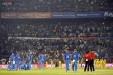 Cricket fraternity tweets disappointment at Cuttack crowd's behaviour