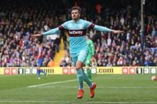 West Ham's Carl Jenkinson suffers a 'significant injury'