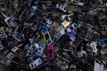 Scientists develop new eco-friendly way to extract gold from e-waste