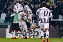 Juventus grab late winner to beat Napoli for Serie A lead