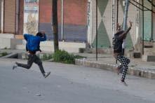 Twenty Injured in Kashmir as Protesters Defy Curfew