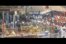 Male devotees defy Shani Shingnapur trust order, storm the temple