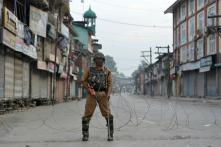Newspapers, Mobile Internet Still Suspended, Kashmir Curfew Enters 10th Day