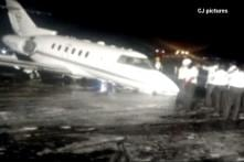 Nose Wheel of Private Aircraft Bursts While Landing, All Safe