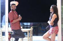 'Dhillukku Dhuddu' Review: It Is a Poor Horror Comedy