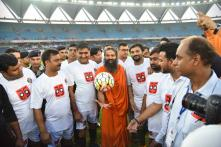 5 Times Baba Ramdev Proved He Is Fit As A Fiddle