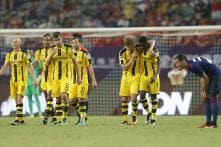 Mourinho's Manchester United Stunned 4-1 by Dortmund in China